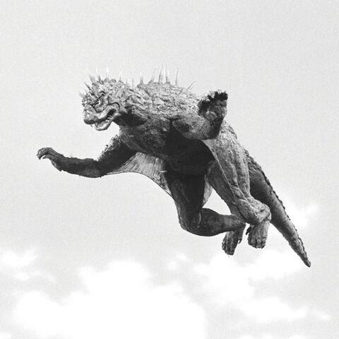 Arquivo:Godzilla.jp - 9 - SoshingekiVaran Varan 1968.jpg