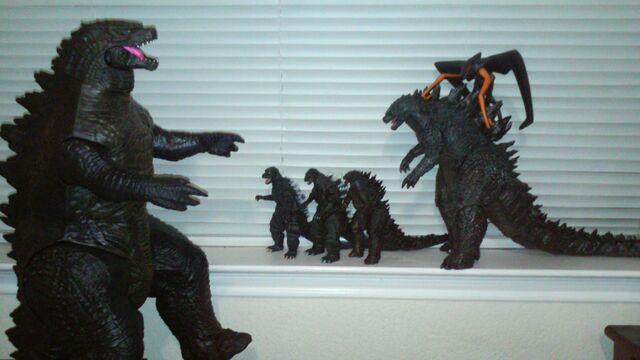 File:Titanollante Kaiju Collection Feb 2015 Number 1.jpg