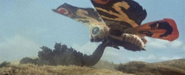 File:Mothravsgodzilla-draggingtail.jpg