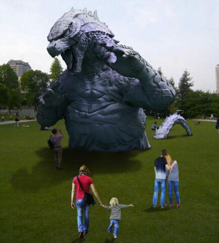 File:LegendaryGoji Statue In A Tokyo Park 1.jpg