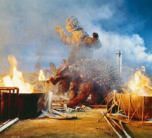 File:GVG - Godzilla, Anguirus and Fire.jpg