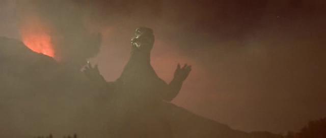 File:Godzilla-vs-MechaGodzilla Mecha first appearance.png
