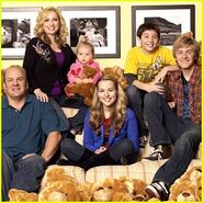Good-luck-charlie-premiere-april-4