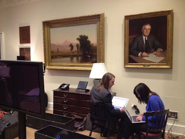 File:Obama-hangout.JPG