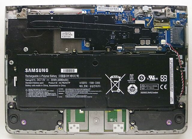 File:Samsung Chromebook Series 3 internals.jpg