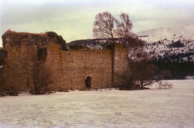 File:Loch-An-Eilean-3.jpg