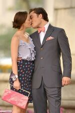 9e04870b8020a6e9 Filming-S3-blair-and-chuck-7324517-400-600