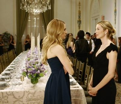 File:Lily-and-serena-van-der-woodsen.jpg
