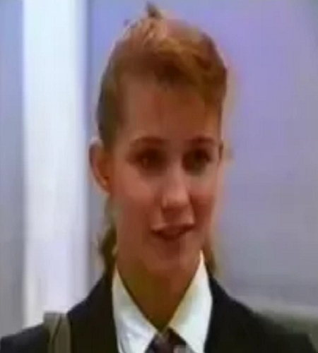 File:Laura Reagan (Series 11).png