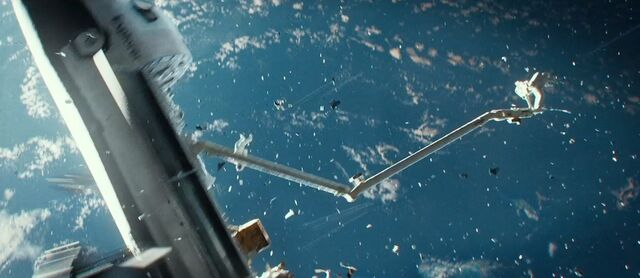 File:Gravity-movie-2013-trailer-screenshot-4 (1).jpg