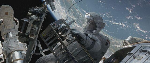 File:Gravity014.jpg