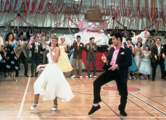 File:Sandy prom.jpg