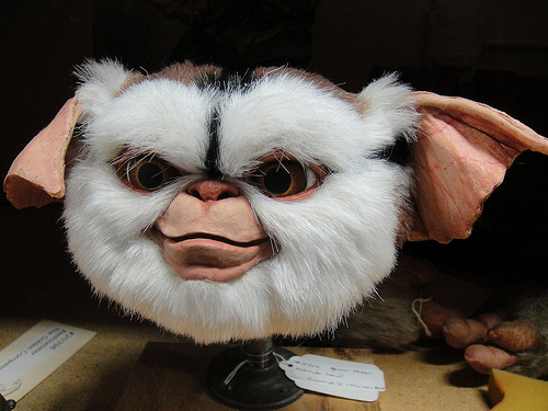 File:The Prop Store of London - LA - Gizmo head.jpg