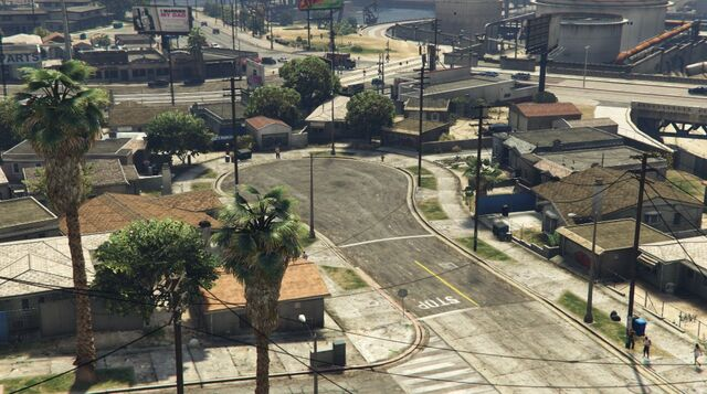 File:GroveStreetNorthwestView-GTAV.jpg