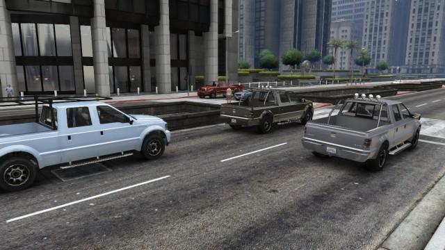 File:Sadler GTAV 3 Varieties in traffic.jpg