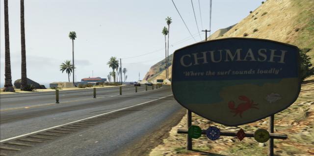 File:ChumashSign-OnFreeway-GTAV.png