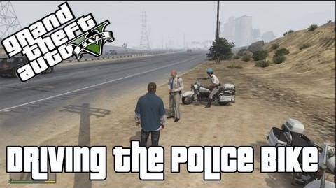 GTA V Driving the Police Bike (Offline)