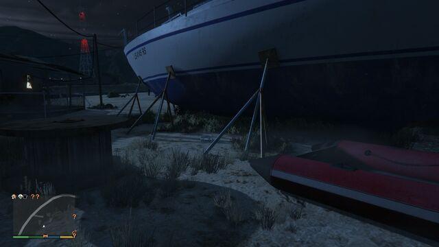 File:Spaceship Parts GTAVe 15 Senora Desert Yacht.jpg