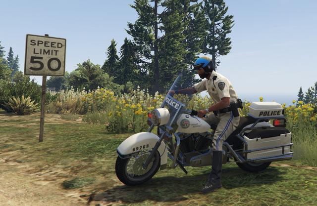 File:SAHP Officer and Bike GTAV.png