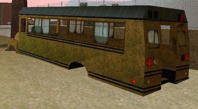 File:Schoolbus-GTA3-wreck-rear.jpg