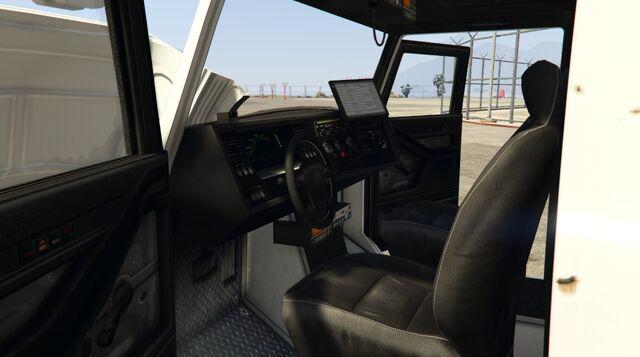 File:UtilityTruck-GTAV-Inside.jpg