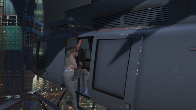 File:GTA Online Protagonist Rappeling from Maverick.png