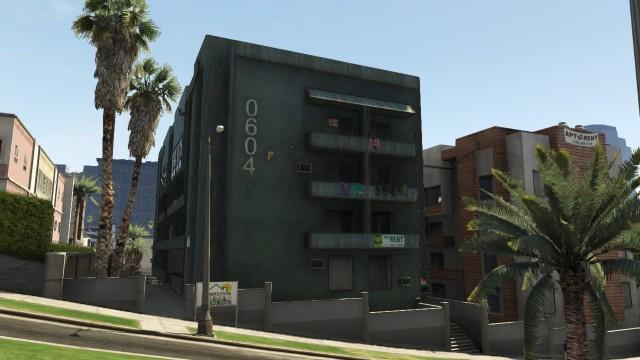File:Las Lagunas Boulevard 1.jpg