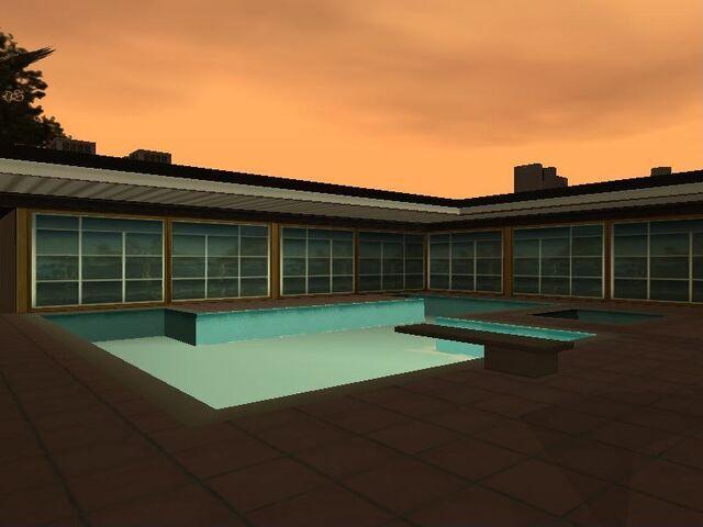 File:PoolMulhollandSafehouse.jpg