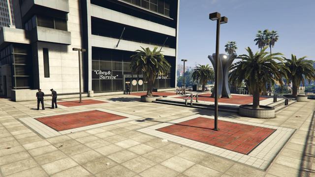 File:VespucciPoliceStation-GTAV-Plaza.png