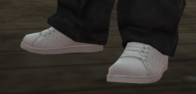File:Modo-GTAIV-whitetennisshoes.jpg