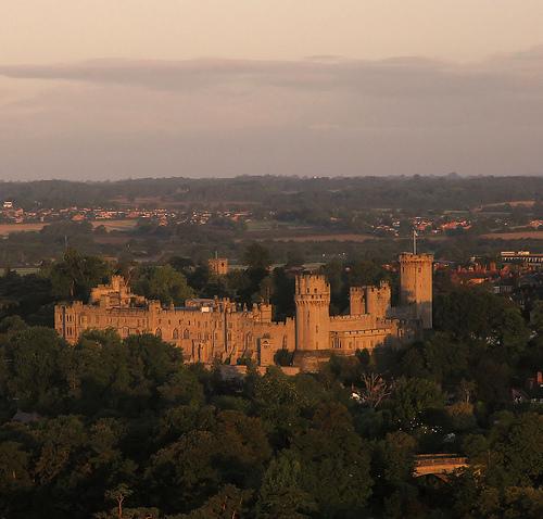File:Warwick castle.jpg