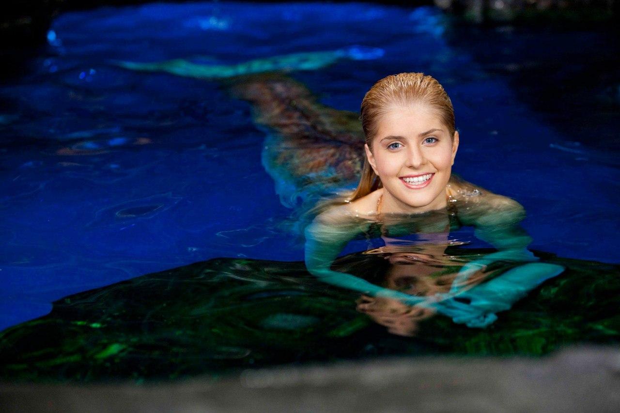 Plik:Sirena In Water.jpg