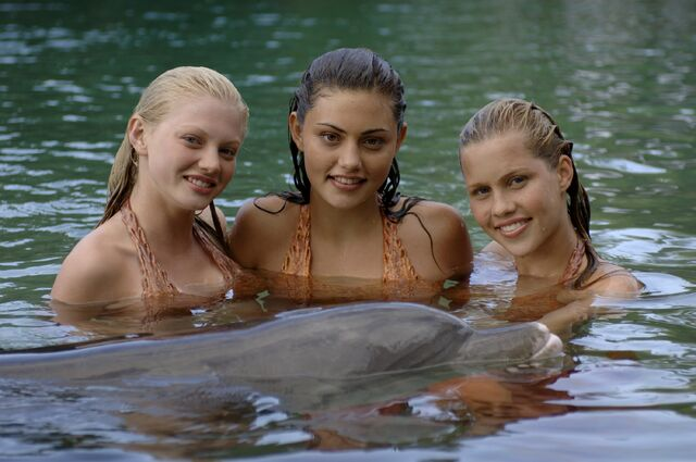 File:3mermaids.jpg