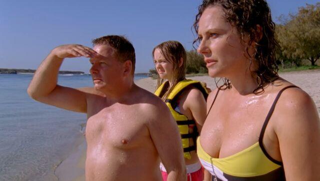 File:Sertoris At Beach.jpg