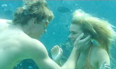 File:Will And Bella Underwater.jpg