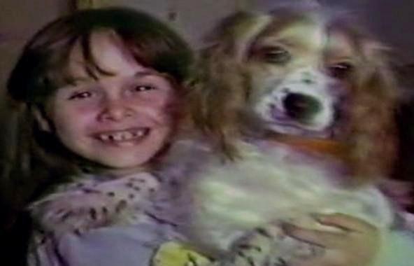 File:Child Annie with her dog.jpg