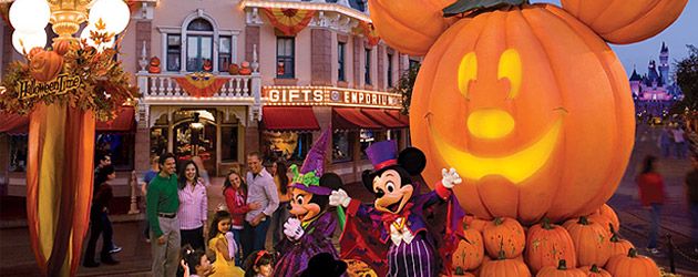 File:Halloween Time- Mainstreet.jpg