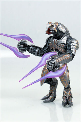 File:Series 8 Halo Wars Arbiter figure.jpg