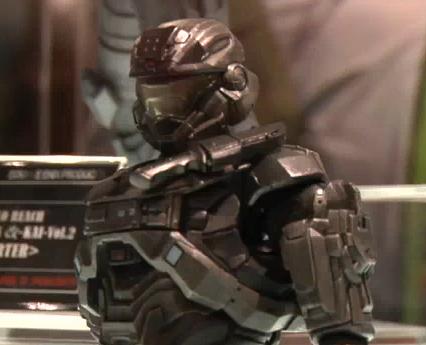 File:Reach Comic Con 2010-Square Enix Noble 6.png