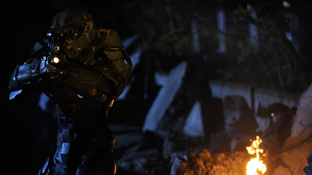 File:Halo 4 FUD Chief With AR And Fire.jpg