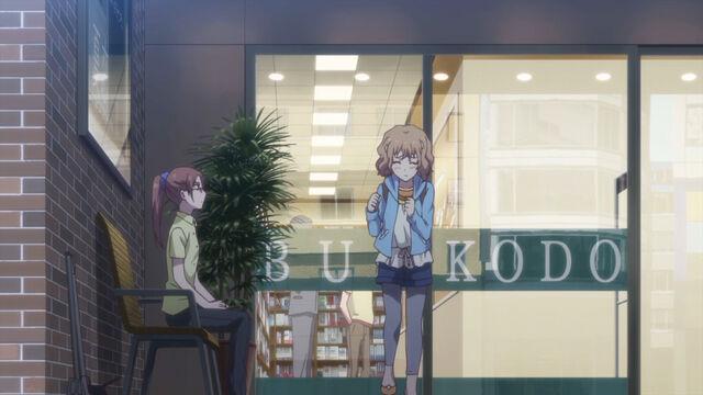 File:Ohana talking with Igarashi.jpg