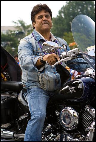 File:Erik Estrada, Ponch.jpg