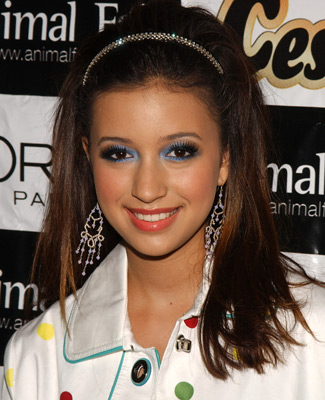 File:Christian Serratos003.jpg