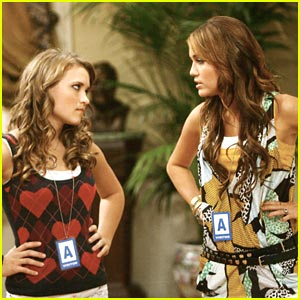 File:Hannah-montana-lilly-miley.jpg