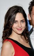 Holly Deveaux3
