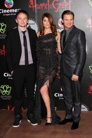 File:Tommy, Gemma & Jeremy 2.jpg