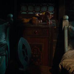 Gretel & Hansel sleeps.