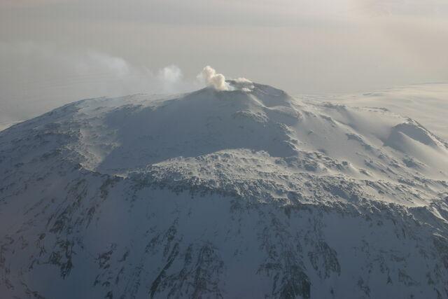 File:Mount Erebus Aerial 2.jpg
