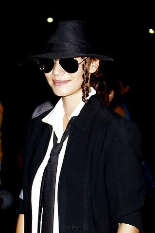 File:Michael Jackson forever.jpg
