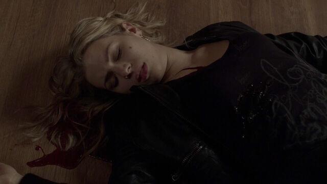 File:1x11 - Nikki's Death 2.jpg